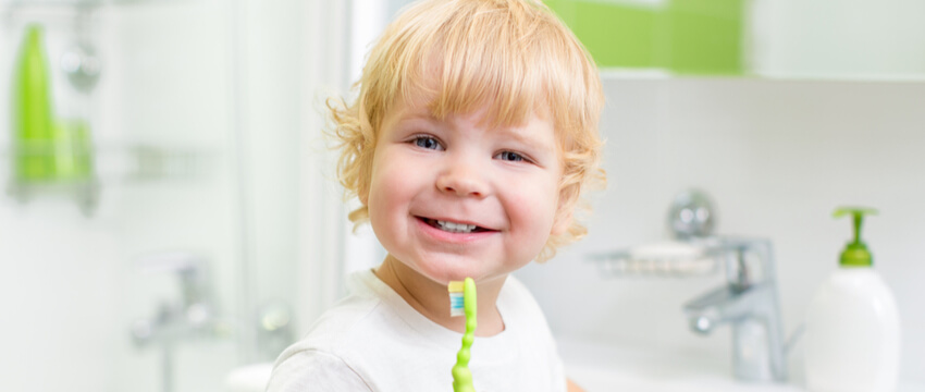 Fluoride For Kids – Its Benefits & Importance For Their Dental Health